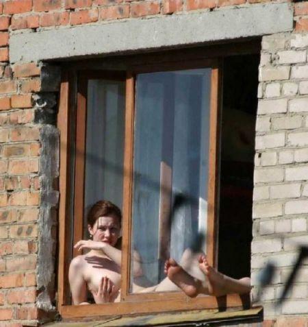 голые соседи фото