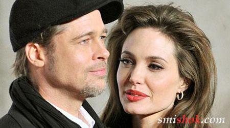 Анджеліна Джолі і Бред Пітт все ж одружилися