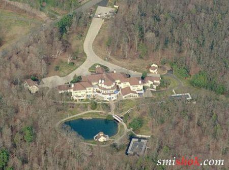 Репер 50 Cent продає свій особняк в Фармингтоне