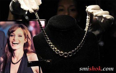 Анджеліна Джолі представила власну ювелірну колекцію