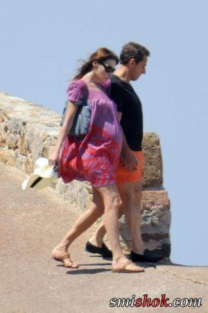 Ніколя Саркозі і Карла Бруні відпочивають на Лазурному Березі