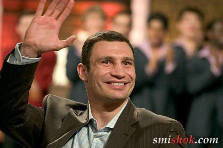 Віталій Кличко оголосив, що проведе один-два бої і покине ринг, але потім передумав