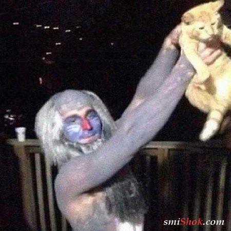 Подборка веселых фотографий людей с забавными животными