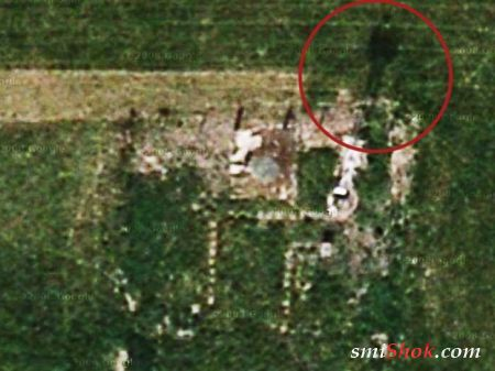 Британка обнаружила ''призрак человека'' на руинах снесенной деревни с помощью карт Google