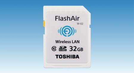 SD карта объёмом 32 ГБ со встроенным модулем WiFi