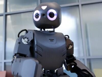 Создан робот для реабилитации детей через игры