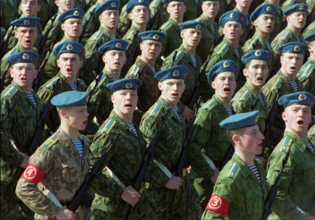 Россия вдвое увеличила численность десантников-миротворцев