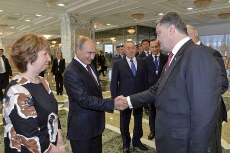 Путин и Порошенко не договорились о прекращении огня – Песков