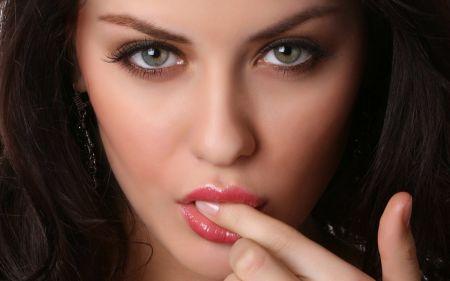Пухленькие женские губки фото подборка
