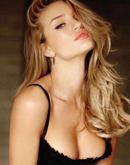 Красивые девушки радуют мужской взор