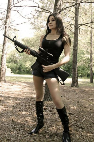 Девушки и оружие - опасное сочетание