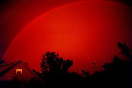 Существует одноцветная радуга