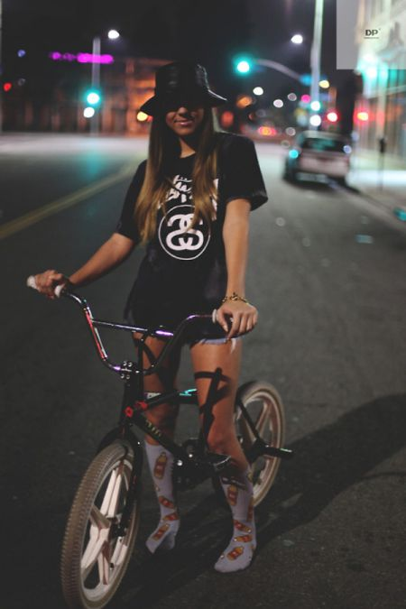 Эти велосипедистки очаруют вас