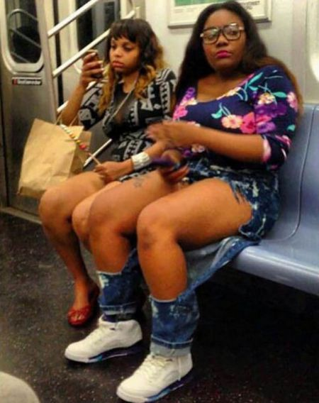 Странные пасажиры метро (26 фото)