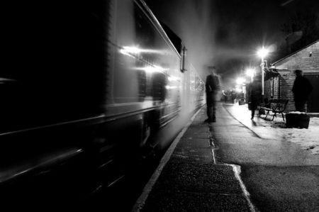 Призрак-тень с маленького полустанка
