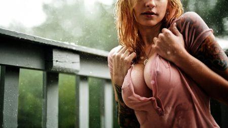 Девушки, мокрые красотки на фото