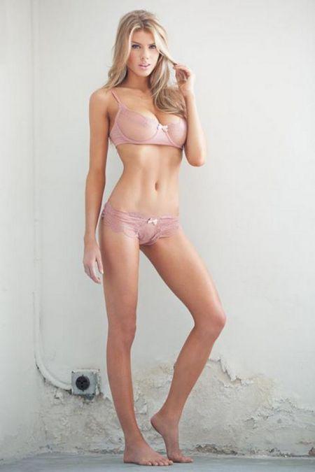 Фотографии шикарной блондинки Шарлотты МакКинни