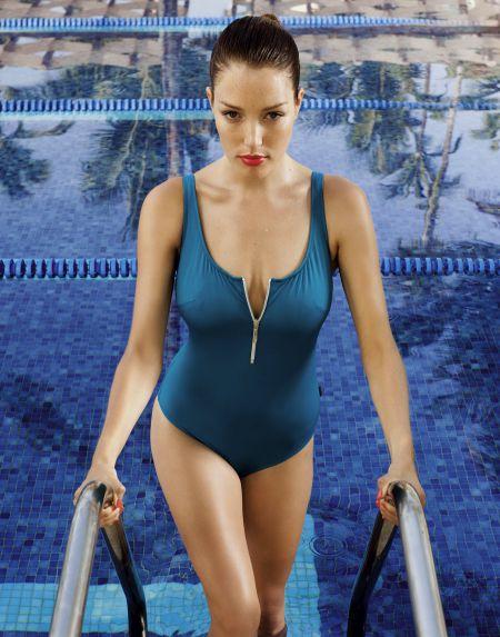 Оливия Гарсон -  Белье и купальники (34 фото)