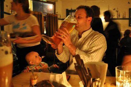 Подборка худших отцов (24 фото)