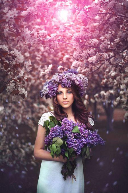 Девушки с цветочными венками (29 фото)