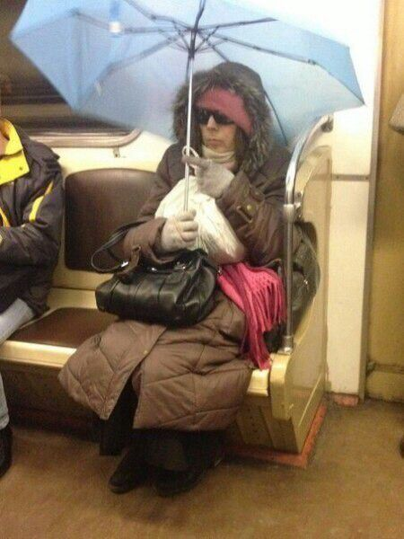 Странные люди в метро, фото приколы на вторник