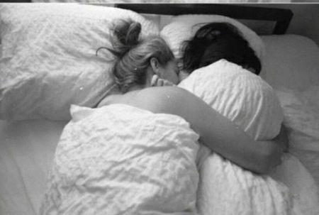 11 причин спать голышом