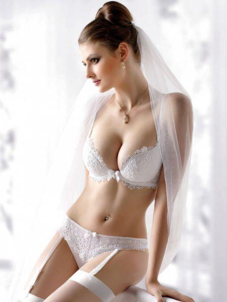 Красивые модели в нижнем белье