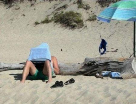 Фотографий отпускников, чей отдых явно пошел не по плану