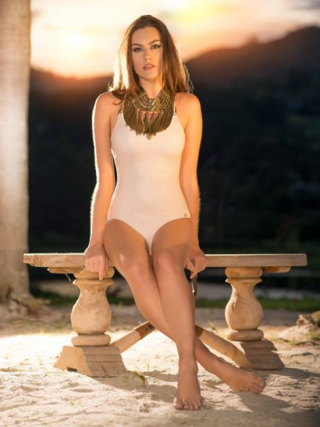 Юлиана Мюллер купальники лето 2015