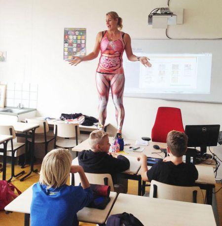 Кадр на пять с плюсом: учитель жжёт, и не подозревает об этом
