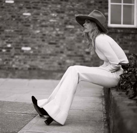 Лили Дональдсон фото для Elle UK