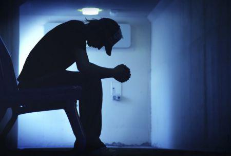 10 «просто привычек», которые указывают на скрытую депрессию