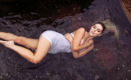 Изабель Грей пляжная красотка
