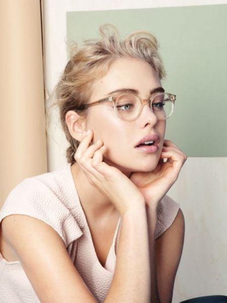 Девушки в очках смотрятся хорошо