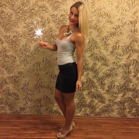 Адриенн Колеса девушка-полицейский
