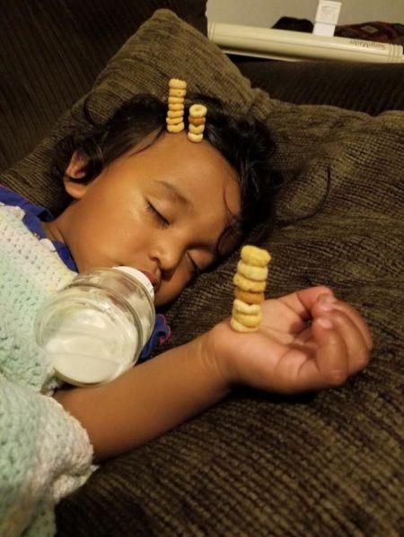 Пока дети спят, их отцы отрываются