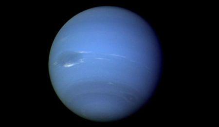 На Нептуне разглядели гигантское пятно
