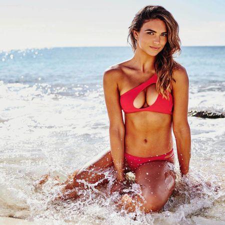 Кира Санторо профессионалка не только в модельном бизнесе