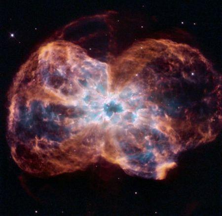 NASA показало красочное фото останков звезды, похожей на Солнце