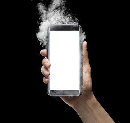 Почему взрываются батареи смартфонов