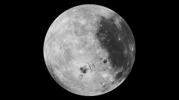 """Ученые объяснили """"опрокидывание"""" Луны на орбите Земли"""