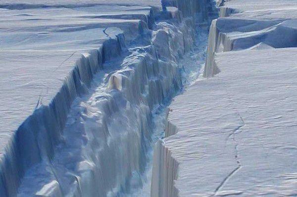 Ученые доказали, что Антарктида разрушается изнутри