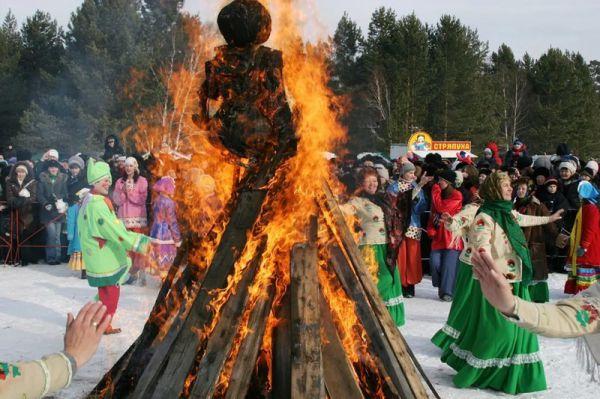 Масленица! Пора сжигать чучело зимы... Ну или кого там сейчас сжигают?