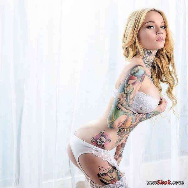Ослепительно красивы.Татуировки на девушках не сразу бросаются в глаза