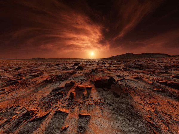 На Марсе была плотная атмосфера и вода в виде жидкости или пара