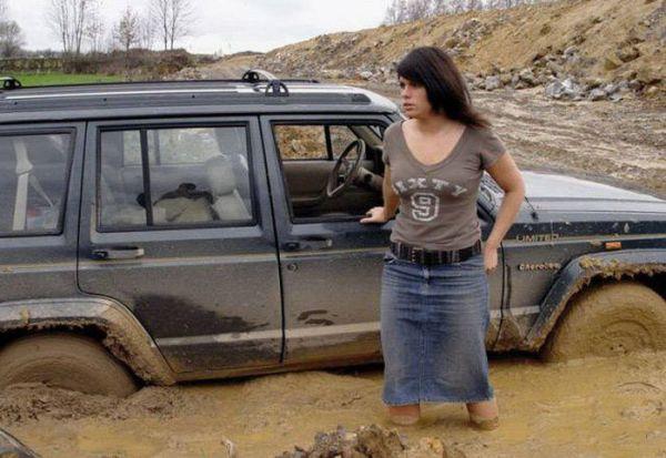 Приколы с женщинами за рулем (33 фото)