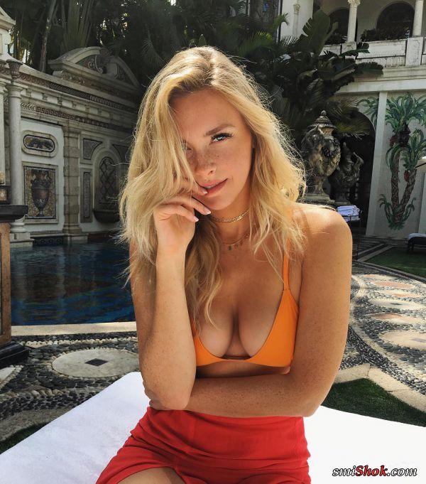 Камилла Костек обычная симпатичная девушка