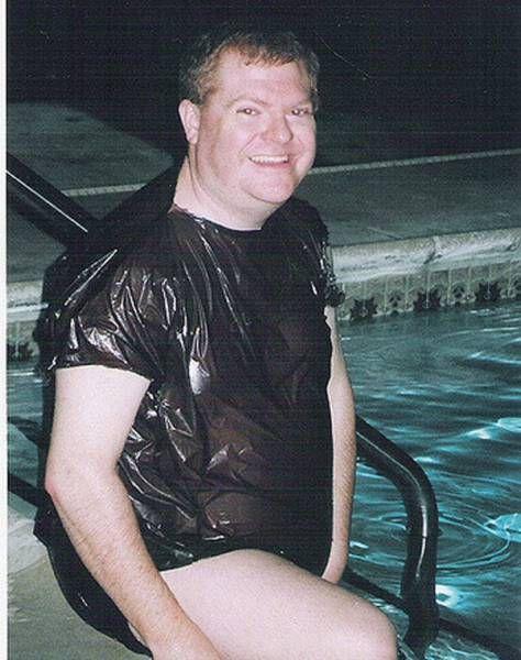 Такие ужасные купальники еще надо поискать!
