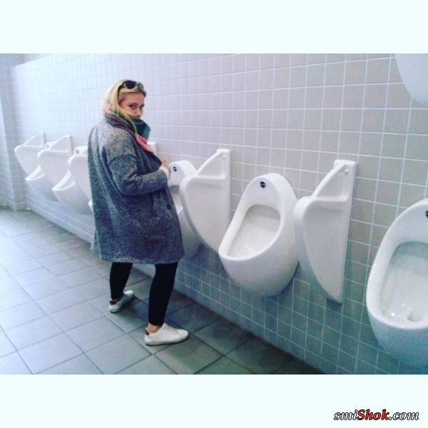 Теперь ясно почему девушки ходят в туалет толпой