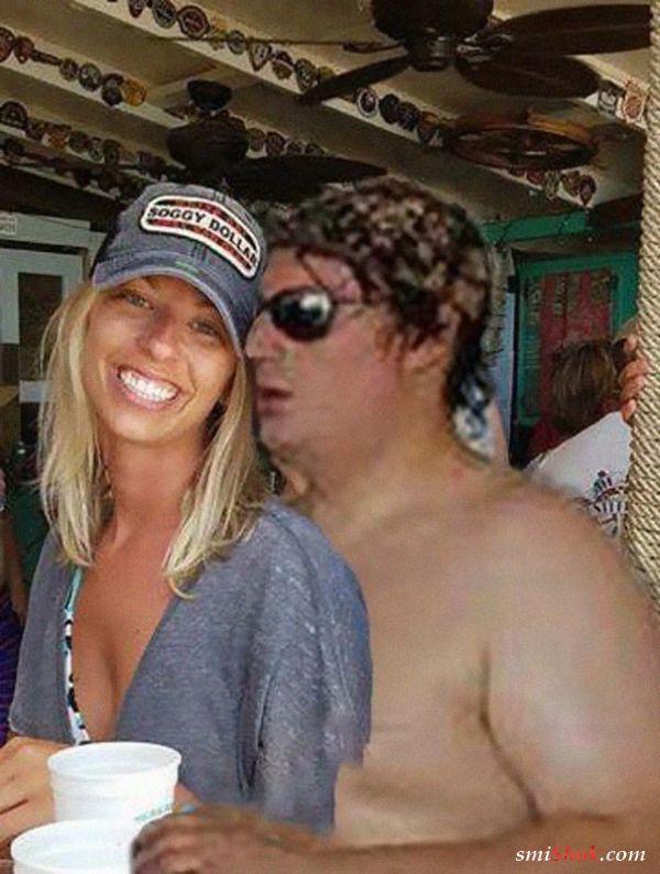 Девушка попросила убрать незнакомца с помолвочного снимка, а за дело взялись фотошоп-тролли